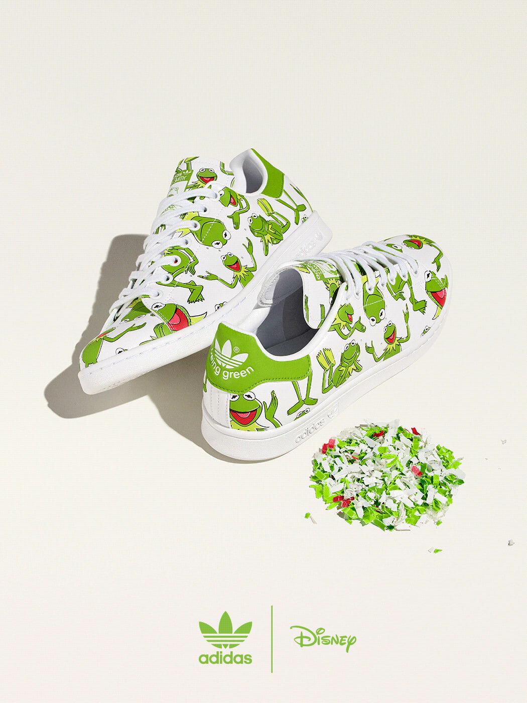 Kermit all over shoe