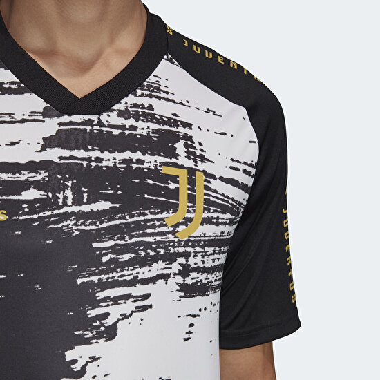 Picture of Juventus Pre-Match Jersey