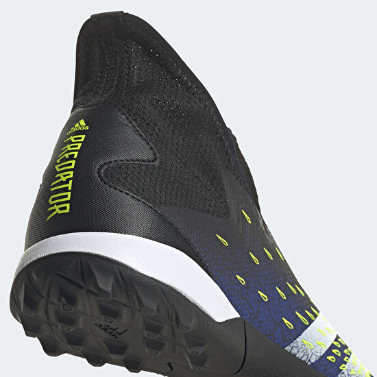 Picture of Predator Freak.3 Laceless Turf Boots